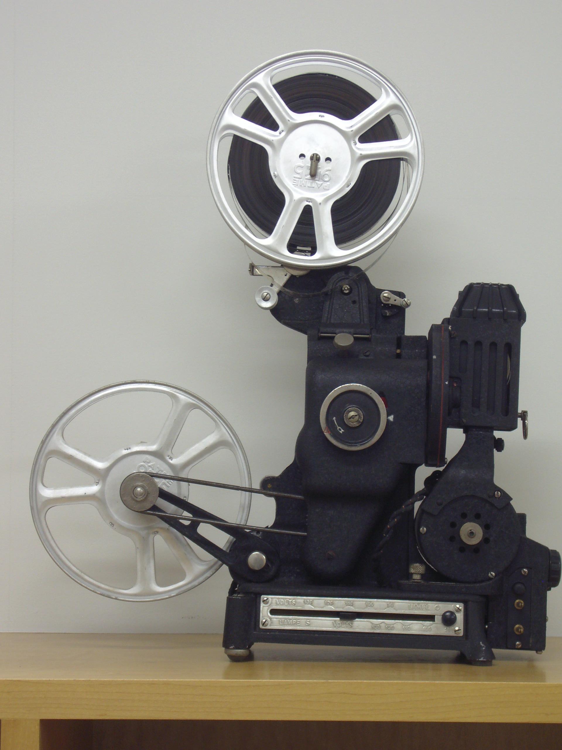 マッサン 映写機は16ミリではな...